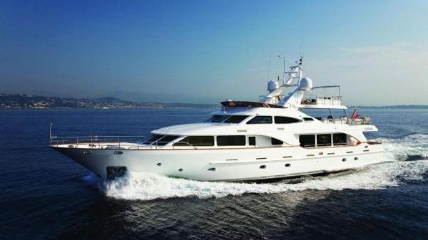 €500,000 price drop on Benetti motor yacht Salu