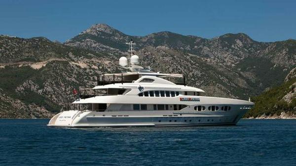 Heesen motor yacht Como for sale