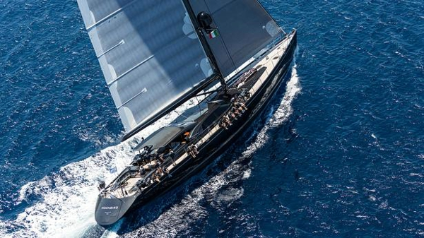 Further €450,000 price drop on Fitzroy sailing yacht Moonbird