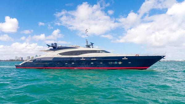 Further price drop on Palmer Johnson motor yacht BW