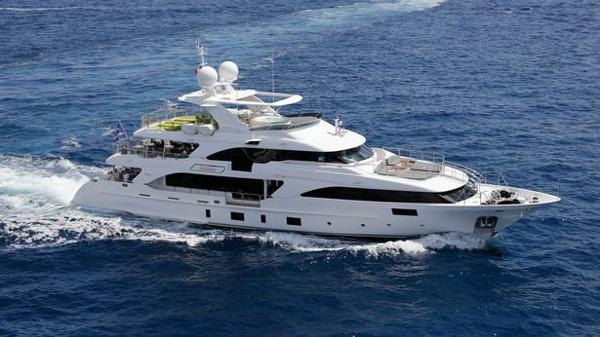 €500,000 price drop on Benetti motor yacht Edesia