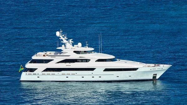 $1M price cut on Delta Marine motor yacht Victoria del Mar