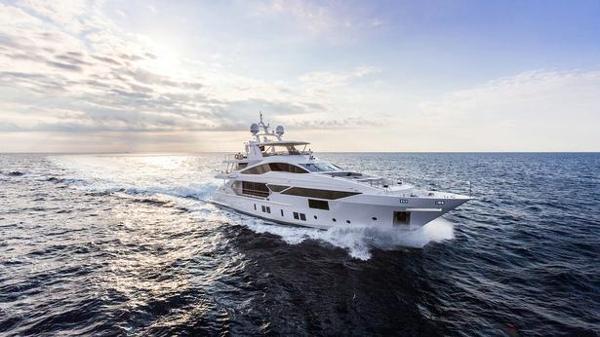 Benetti motor yacht Iron Man for sale