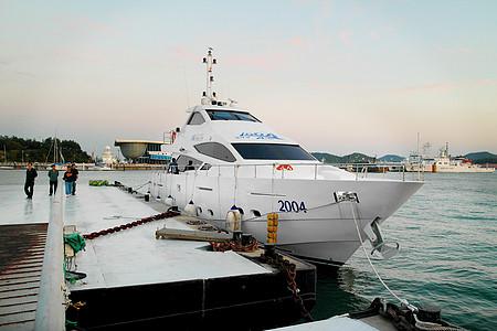 Express yachts