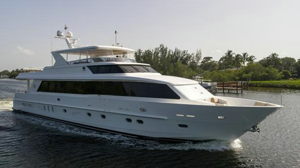 Further price drop on Hargrave motor yacht Cameron Alexander