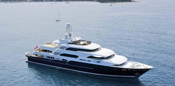Christmas Charter: The Best Superyachts this Winter