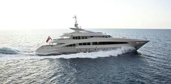 Heesen Yachts Land at FLIBS