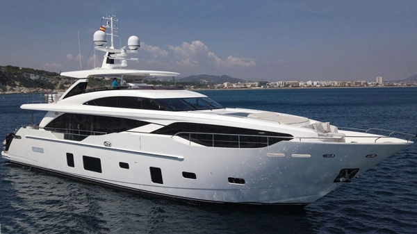 Princess Motor Yacht Bandazul now for Sale With Sunseeker London